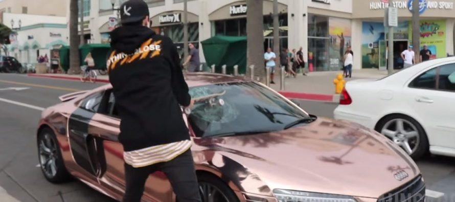 Έσπασε το παρμπρίζ ενός Audi R8 με το πατίνι του (video)
