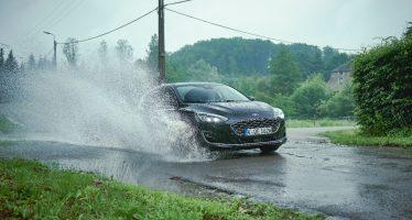 Δείτε πως το νέο Ford Focus περνάει ανέπαφα τις λακκούβες (video)