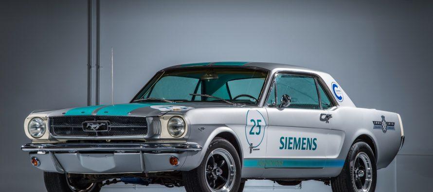 Ένα Ford Μustang του 1965 με τεχνολογία από το μέλλον