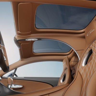 f03c7988-bugatti-chiron-glass-roof-4