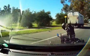 Μοτοσικλετιστής γλυτώνει στο χιλιοστό από φορτηγό (video)