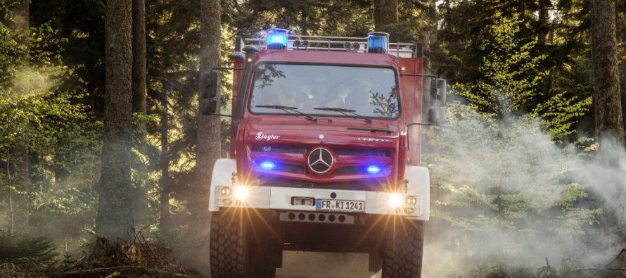 Το θηριώδες πυροσβεστικό όχημα της Mercedes