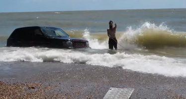 Τα Range Rover δε ξέρουν κολύμπι (video)