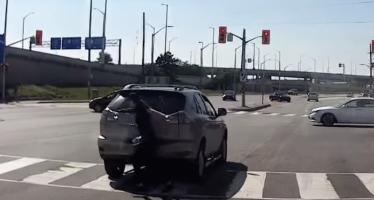 Ο πιο ατζαμής οδηγός με Lexus (video)