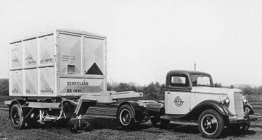 Δείτε πως τα φορτηγά DAF μετέφεραν τα κοντέινερ το 1936 (video)