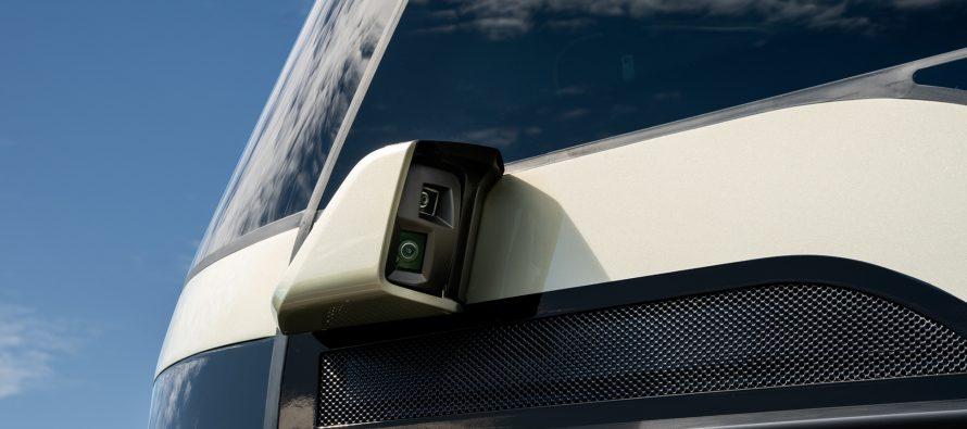 Λεωφορείο χρησιμοποιεί κάμερες αντί για πλευρικούς καθρέπτες (video)
