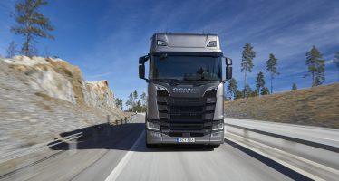Με Scania μεταφέρεται αγωνιστικό όχημα διάσημου οδηγού (video)