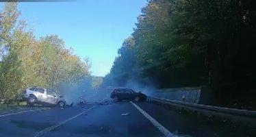 Μετωπική σύγκρουση Porsche Cayenne και Skoda Fabia με ένα νεκρό (video)