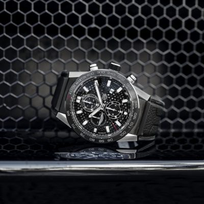 dcca515d-tag-heuer-carrera-calibre-heuer-01-aston-martin-special-edition-1