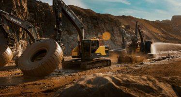 Καψόνια στους νεοσύλλεκτους εκσκαφείς της Volvo (video)