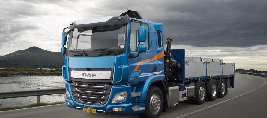 Αυτό το video 360 μοιρών σας βάζει στο φορτηγό DAF CF εν κινήσει