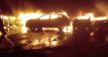 Πυρκαγιά κατέστρεψε εκατοντάδες Fiat και Maserati (video)