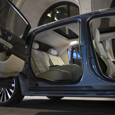 181c1005-2019-lincoln-continental-80th-anniversary-coach-door-edition-10