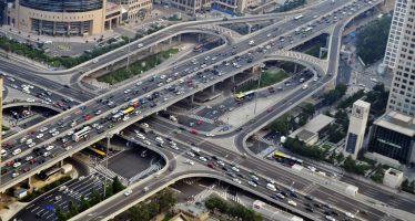 Γιατί αυτοκίνητα στην Κίνα παρακολουθούνται από την κυβέρνηση;