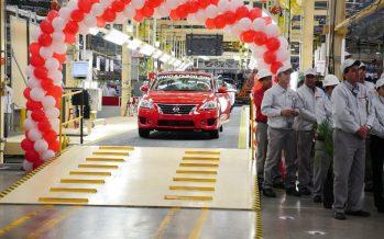 Γιατί απολύει 1.000 υπαλλήλους η Nissan;