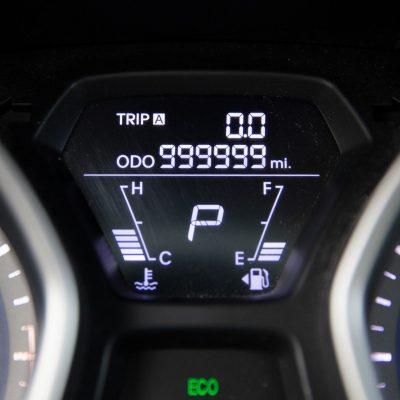 8b12313f-million-mile-hyundai-elantra-1