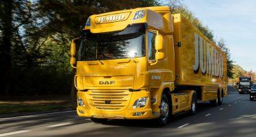 Το ηλεκτροκίνητο φορτηγό DAF CF προμηθεύει σουπερμάρκετ