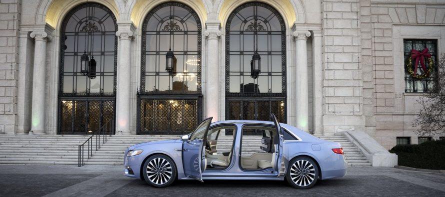 Εντυπωσιακά ανοίγουν οι πίσω πόρτες της συλλεκτικής Lincoln Continental