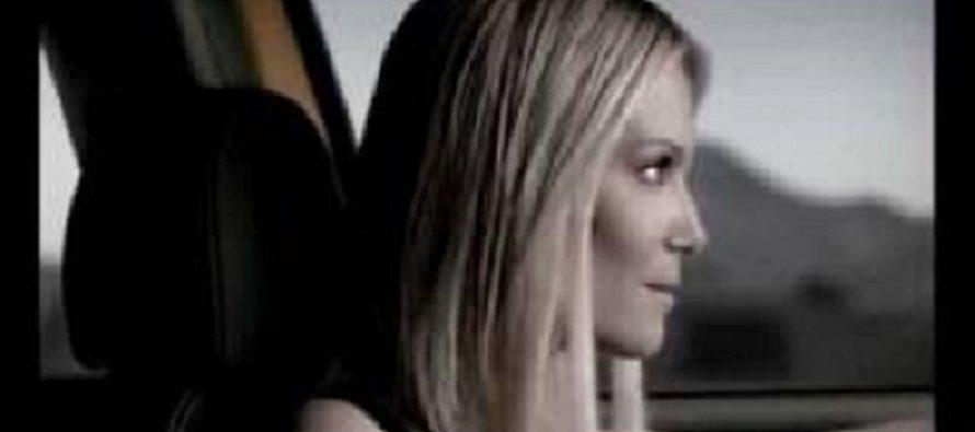 Όταν η Βίκυ Καγιά διαφήμιζε τη Lancia Ypsilon (video)