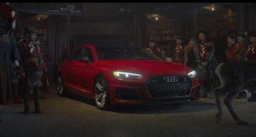 Ο Άι Βασίλης παίρνει δώρο ένα Audi RS5 Sportback (video)