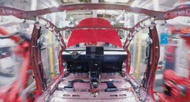 Έτσι κατασκευάζεται ένα Tesla Model 3 (video)