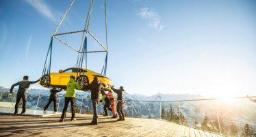 Δείτε πως μεταφέρθηκε με ελικόπτερο η νέα Porsche 911 (video)