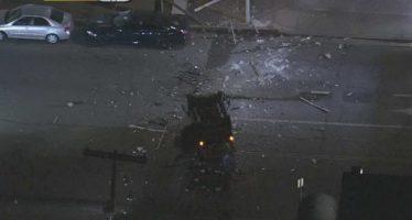 Από τον τρίτο όροφο έπεσε μια Mercedes G-Class (video)