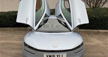 Στο σφυρί με υψηλότατη τιμή ένα από τα μόλις 250 Volkswagen XL1