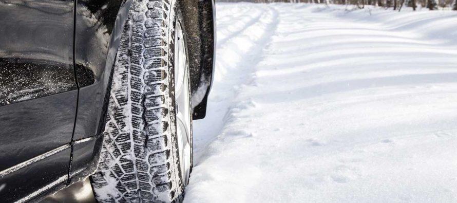 Τι πρέπει να κάνετε αν κολλήσει το αυτοκίνητο στο χιόνι;