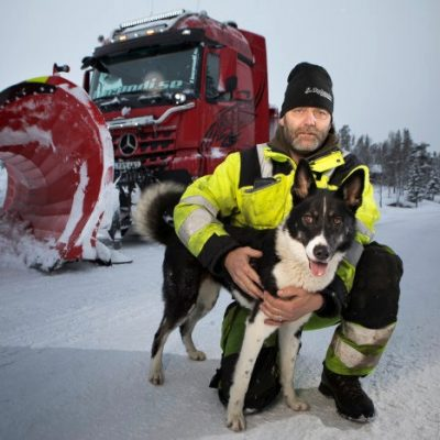D548610-Snoplog–snow-clearing-at-another-level-the-Mercedes-Benz-Arocs-ensures-the-roads-of-Sweden