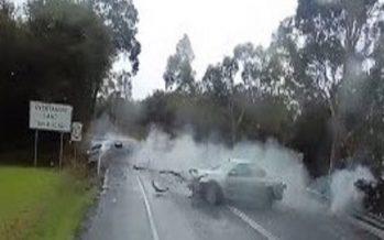 Φορτηγό απέφυγε τρία αυτοκίνητα μόλις αυτά συγκρούστηκαν (video)
