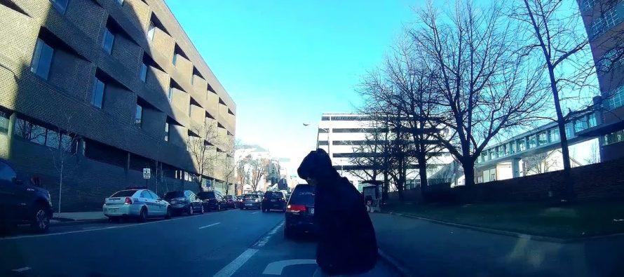 Προσποιήθηκε ότι τον χτύπησε αυτοκίνητο για να πάρει αποζημίωση (video)