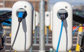 Πού τοποθετήθηκαν 166 βάσεις για φόρτιση ηλεκτροκίνητων οχημάτων;