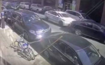 Περιπολικό άρχισε να χτυπά ανεξέλεγκτα ένα Honda Accord (video)