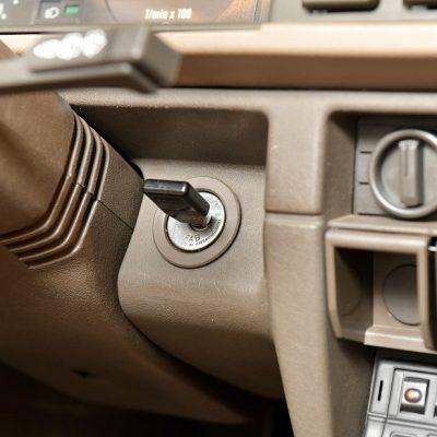 skoda-favorit-interior-key-engine-jpg