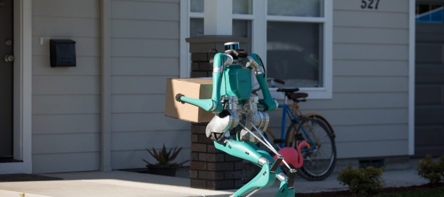 Το ρομπότ ταχυδρόμος της Ford (video)