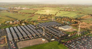 Σε τι χρησιμεύουν πάνω από 30.000 ηλιακά πάνελ στη Βentley;