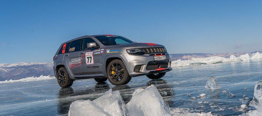 Ρεκόρ ταχύτητας πάνω στον πάγο από το Jeep Grand Cherokee (video)