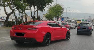 Εντοπίσαμε τη Chevrolet Camaro σε ελληνικό δρόμο