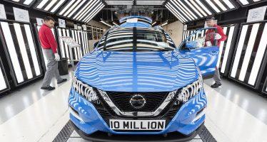 Πόσα Nissan χρειάζονται για να κυκλώσουν τον πλανήτη;