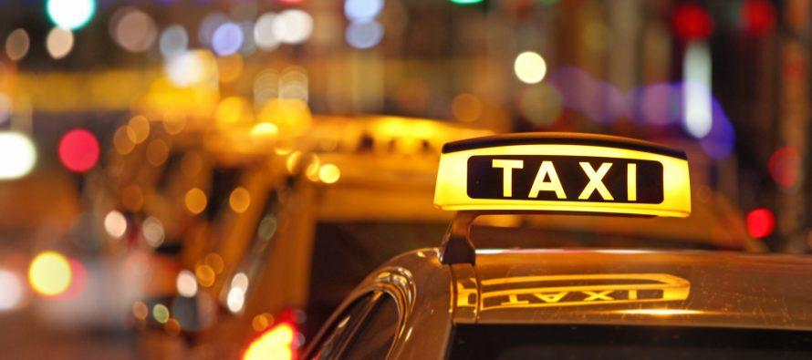 Δείτε πως οδηγός ταξί εξαπατούσε τους πελάτες (video)