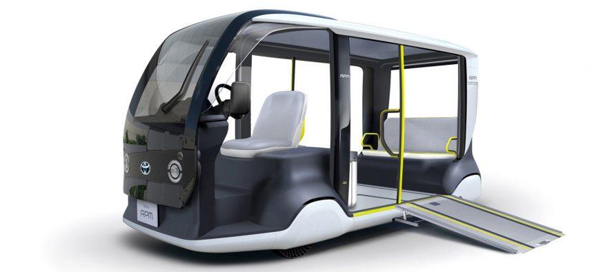 Το νέο Toyota APM είναι λεωφορείο και ασθενοφόρο