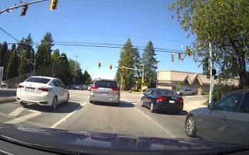 Πέρασε με κόκκινο φανάρι αλλά δεν είδε το περιπολικό (video)