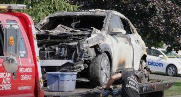 Για άγνωστο λόγο έγινε στάχτες ένα σταθμευμένο ηλεκτροκίνητο Hyundai Kona
