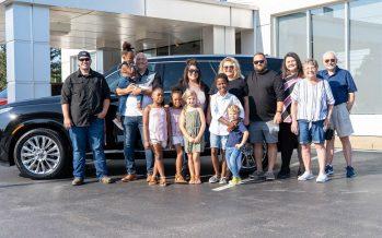H Hyundai χάρισε αυτοκίνητο σε δωδεκαμελή οικογένεια