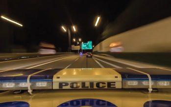 Περιπολικό ανοίγει δρόμο σε αυτοκίνητο που μεταφέρει ετοιμόγεννη (video)