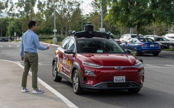 To ταξί Hyundai Κona που κινείται μόνο του (video)
