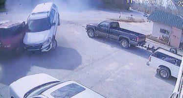 Αστυνομικός τράκαρε το περιπολικό με 129 χλμ./ώρα και απολύθηκε (video)
