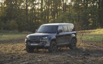 Ο Τζέιμς Μποντ θα οδηγήσει το νέο Land Rover Defender (video)