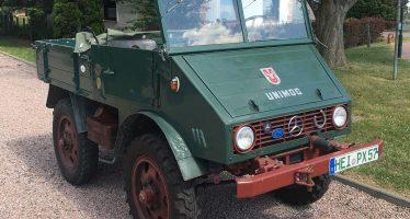Mercedes Unimog του 1949 ταξίδεψε και μάζεψε 10.000 ευρώ